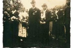 1934 Hubert Essing (1907 - 1996) und Johanna Schelle verh. Kleimann (1911 - 2008)  Hofstaat: August Schelle und Maria Große Hovest, Anton Lehmkuhl und Paula Schelle.