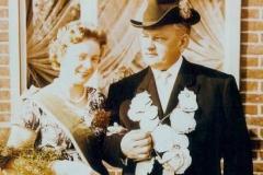 1958 Franz Börger (1914 - 1967) und Cäcilia Börger geb. Halinde  Hofstaat: Josef und Maria Peters, Bernhard und Maria Hülsmann.