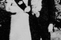 1972 Hubert Keuper und Irmgard Pelster  Hofstaat: Heinrich und Maria Bergmann, Aloys Niemann und Martha Keuper.