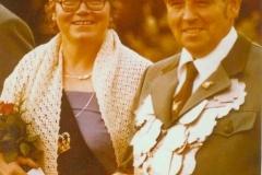 1979 Anton Sielenkemper (1927 - 2000) und Ellen Sielenkemper geb. Krieter (1927 - 2009)  Hofstaat: Ewald und Elisabeth Kortenjan, Heinz und Ulrike Schulze Topphoff.