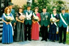 1984 Gustav Sendner und Anita Sendner geb. Spreckelmeier  Hofstaat (v.l.): Josef und Ursula Terfloth, Cornelius und Elfriede Schulze Topphoff.