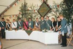 1993 Franz-Josef Lüttecke und Andrea Schulte verh. Decker  Hofstaat (v.l.): Klaus und Petra Schulte, Reinhold Markfort und Marion Böcker, Ralf Westbrock und Brigitte Pelkmann, Christian Böcker und Astrid Bentmann.