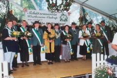 2000 Johannes Ahlbrandt und Elfriede Ahlbrandt geb. Paschen  Hofstaat (v.l.): Werner und Martina Lehmkuhl, Michael und Margret Döbbeler, Hans und Irmgard Schulte, Hubert und Mechthild Severt.