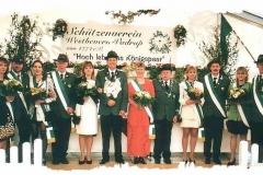 2001 Reinhard Wendker und Beate Wendker geb. Pelkmann  Hofstaat (v.l.): Karl-Heinz und Benita Hoffmann, Franz-Josef und Stella Lüttecke, Ralf und Brigitte Westbrock, Klaus und Petra Schulte.