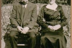 1924 Bernhard Riesenbeck (1888 - 1945) und Anna Riesenbeck geb. Uthmann (1886 - 1960)  (150 Jahre Schützenverein Vadrup)