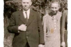 1937 Hermann Berning (1893 - 1950) und Maria Berning geb. Hollmann (1894 - 1961)  Hofstaat: Albert und Katharina Muhmann, Josef Markfort-Wiegert und Sophia Sieveneck.