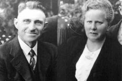 1947 Anton Nahrup (1896 - 1978) und Caroline Nahrup (1895 - 1972)  Hofstaat: Hubert und Maria Schulze Topphoff, Felix und Änne Wittler.  (Erstes Schützenfest nach dem 2. Weltkrieg)