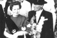 1963 August Große Hovest (1908 - 1987) und Helene Große Hovest geb. Sanders (1911 - 1986)  Hofstaat: Hugo und Johanna Kleimann, Johannes und Johanna Lehmkuhl.