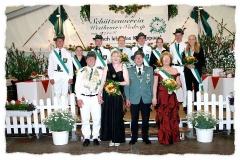 2005 Dirk Hobeling und Yvonne Handke  Hofstaat (v.l.): Christian Ahlbrandt und Bianca Janssen, Thomas Epping und Silke Schulze Hobbeling, Bernd Schulte und Teresa Hörstkamp, Marcus Gausepohl und Julika Stegemann.